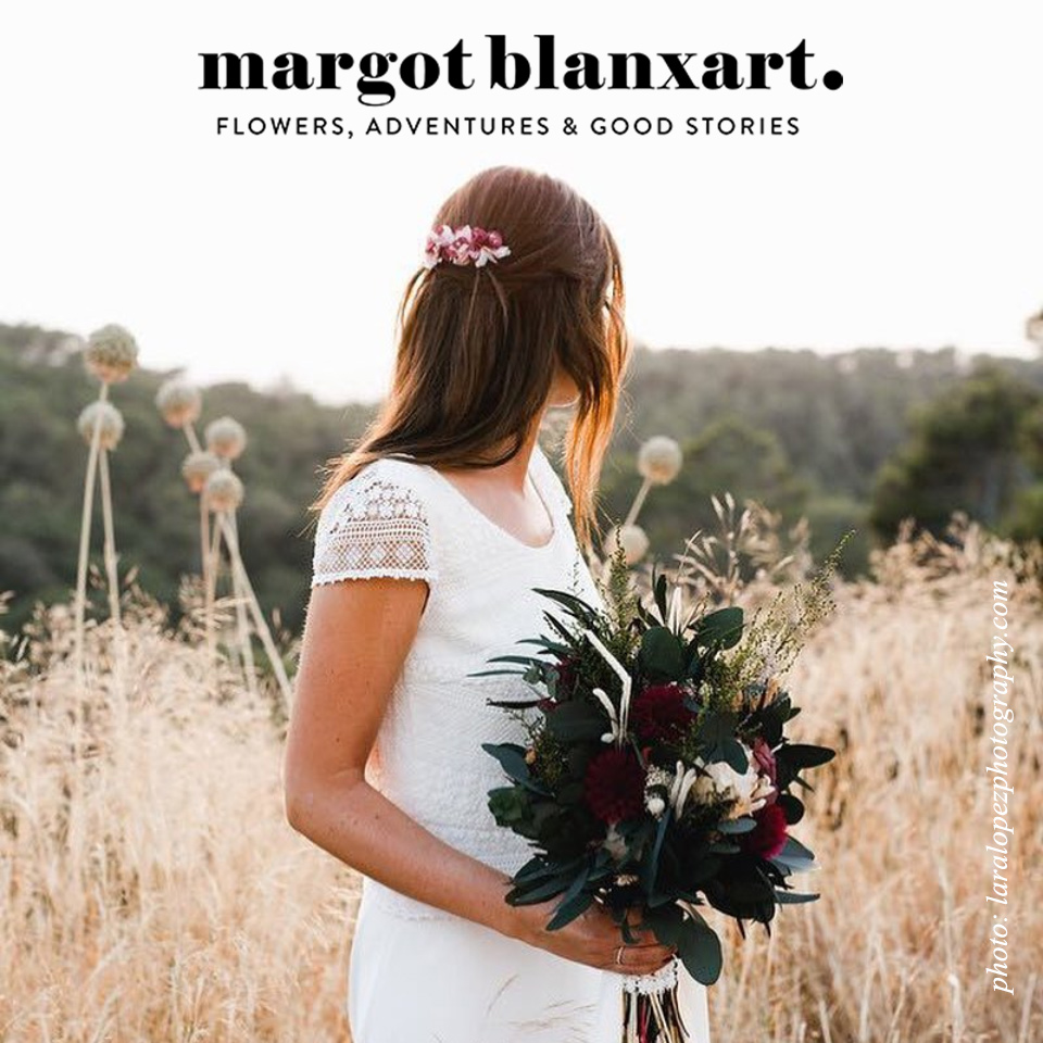 Margot Blanxart offers beautiful floral accessories for weddings and daily style - I designed a branding for her with an elegant but modern look - photo by Lara López Photography